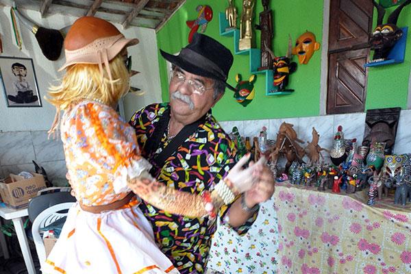 Raul do Mamulengo e sua boneca dançarina: a dança como uma das expressões da cultura forrozeira