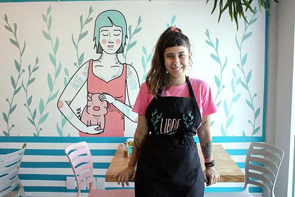 Mariana Araújo quis criar uma lanchonete típica, mas vegana