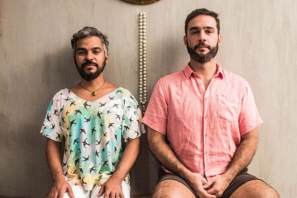 Os Chicos harmoniza timbres de Tiago Landeira e Rafael Barros