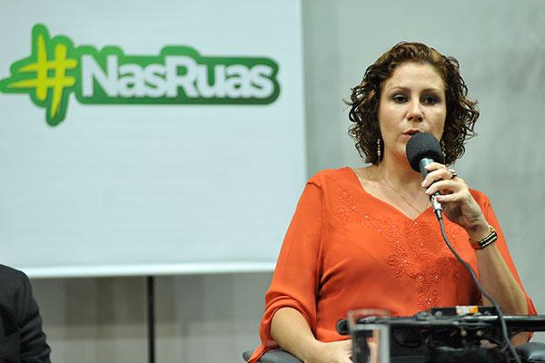 Deputada Carla Zambelli afirma que vai ao ato para defender o pacote anticrime, apresentado pelo ministro Sérgio Moro