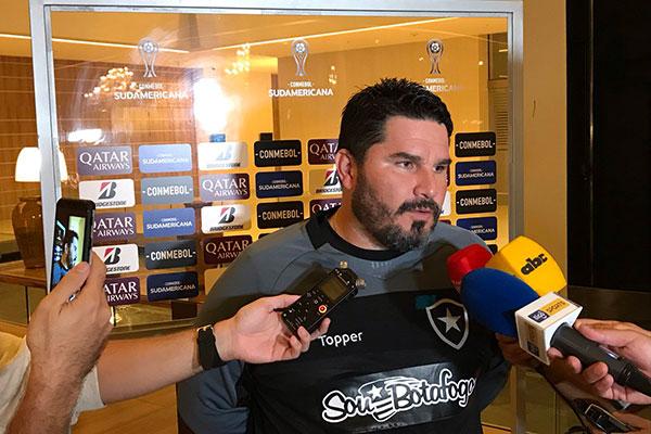 Técnico do Botafogo Eduardo Barroca