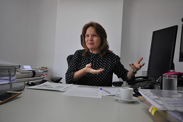 Promotora da Saúde, Iara Albuquerque, questiona prazo para aplicação de recursos pelo Governo