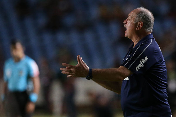 Felipão celebra os 28 jogos de invencibilidade, mas destaca que o importante é a competição