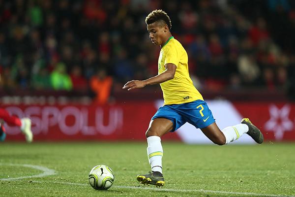 O atacante David Neres conquistou seu lugar no time de Tite após boas atuações pelo AJAX da Holanda e um jogo seguro pela Seleção Brasileira