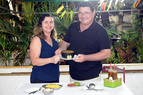 Há 27 anos Elis e Lucas servem o prato na Dobradinha do Lucas, que é famosa pelo cuidado com os ingredientes e modo de preparo