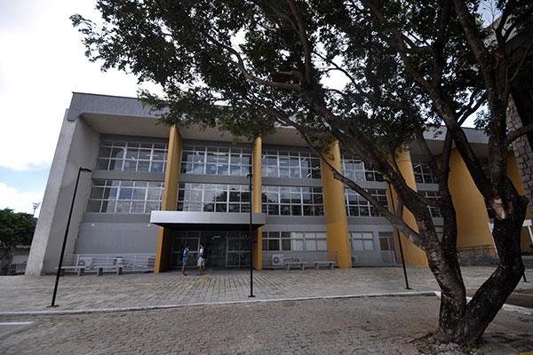 Galeria e Núcleo saíram do Centro de Convivência do Campus para novo local,  próximo ao antigo, ficando interligados à Biblioteca Zila Mamede