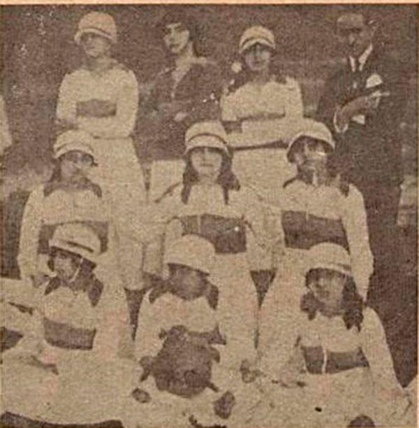 Café Filho foi fundador do time de feminino do Centro Esportivo Natalense, há 100 anos. À direita, a equipe feminina de futebol na qual está presente a atleta Jandira Café