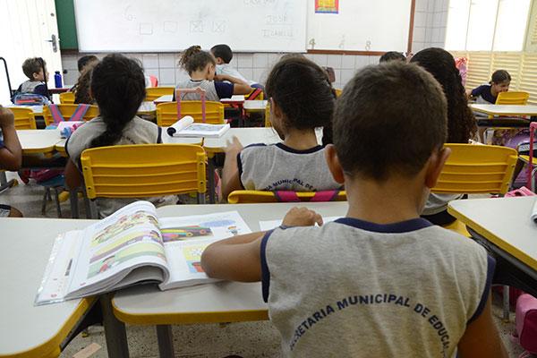Em média, a cada R$ 10 gastos em educação pública, R$ 4 são do Fundeb. R$ 4.140,91 é o valor anual por aluno da educação infantil no RN