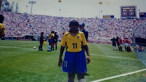 Suzana durante a Copa do Mundo de 1999, nos Estados Unidos: representando o RN nos primeiros passos do futebol feminino
