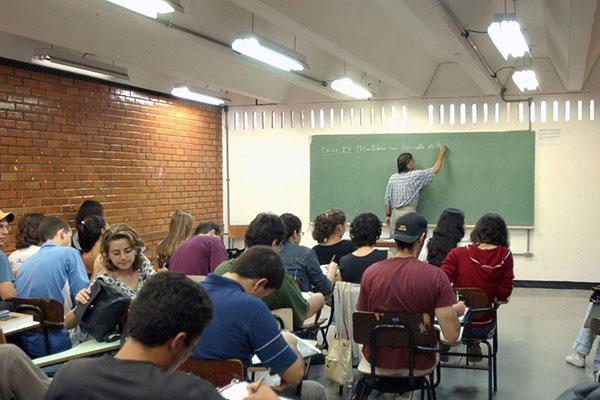 Alunos que concluíram o Ensino Médio na rede pública de Educação poderão ter bolsas de até 100%