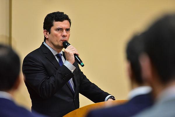 Sérgio Moro nega que tenha orientado as iniciativas do Ministério Público na Lava Jato