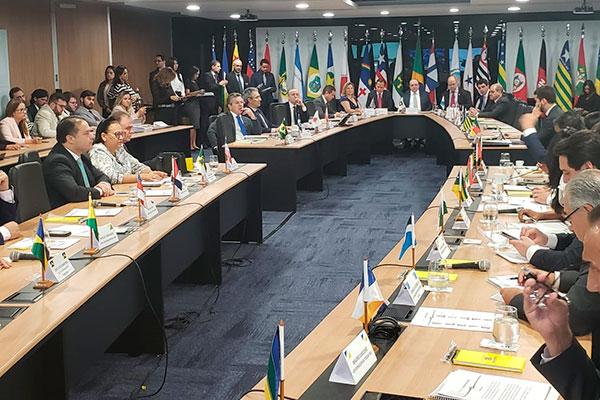 Governadores participam de reunião do Fórum que dicutiu a proposta de reforma em tramitação