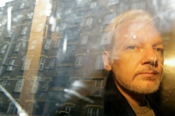 Pedido de extradição de Julian Assange para os EUA é oficializado