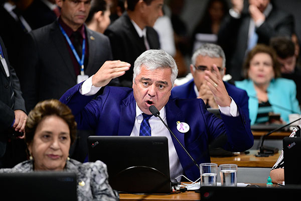 Líder do PSL no Senado, Major Olimpio reconhece que o governo tem uma postura de não negociar