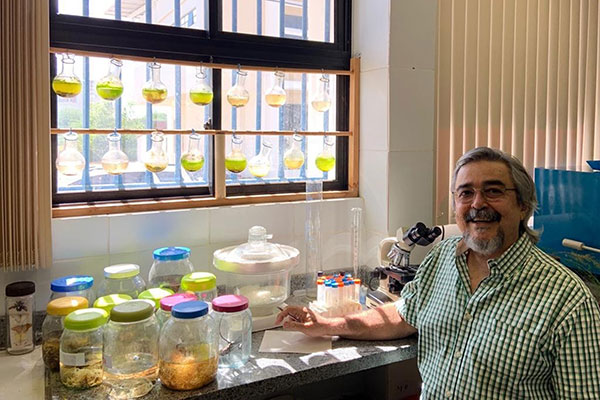 Renato de Medeiros Rocha é pesquisador de Manejo e Conservação de Ambientes Hipersalinos