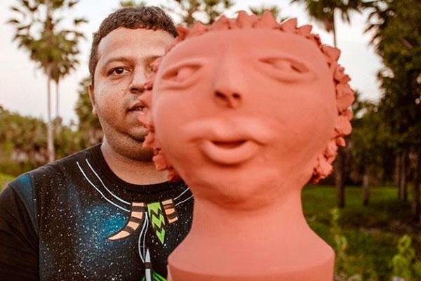 Já o ceramista Pequeno produziu figuras inspiradas nos primeiros povos a habitar a região de São Gonçalo