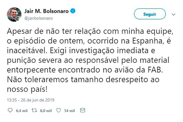 A caminho do Japão, Jair Bolsonaro se manifestou via Twitter
