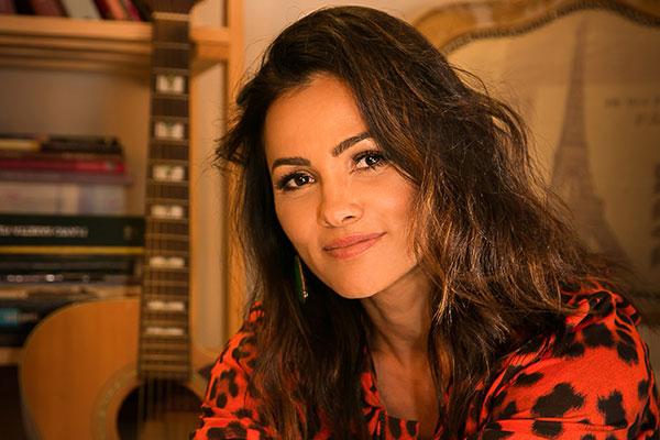 Suzana Alves, atriz