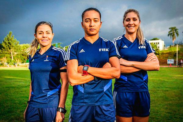 Trio de brasileiras comandam a semifinal entre Inglaterra e Estados Unidos pelo Mundial Feminino