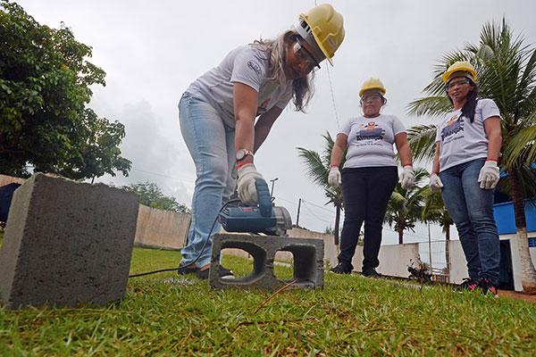 A descoberta de novos talentos com o curso voltado para a construção, vem sendo incentivo para as alunas que já projetam outras atividades