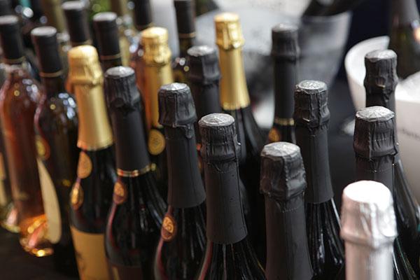 Miolo, do Vale dos Vinhedos levou 14 medalhas na competição e o posto de melhor vinho de sobremesa. Suzin levou sete medalhas e o destaque foi para Bianco Macerato 2011 da Lidio Carraro