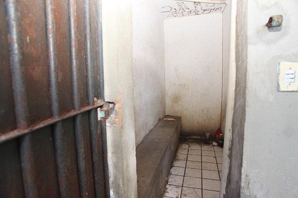 A delegacia de São Gonçalo do Amarante é uma das piores, desde as celas à parte administrativa