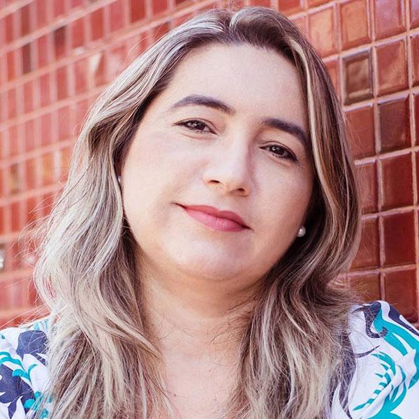 """Ana Cláudia Trigueiro  é autora de livros como: """"Em busca do bem"""" (2014), obra infanto juvenil; """"Em um outubro rosa"""" (2015, romance), """"Francisca"""" (2015, romance), """"O mistério do Verde Nasce"""" (2018, romance infanto juvenil), """"João e Maria do engenho"""" (2018, infantil), e """"A ira de Judas"""" (2018, contos)"""
