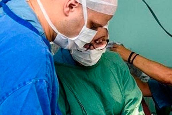Especialista já utiliza células-tronco há mais de dois anos