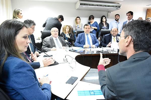 Deputados concluíram a votação da LDO, na Comissão, e projeto vai ser apreciado em plenário