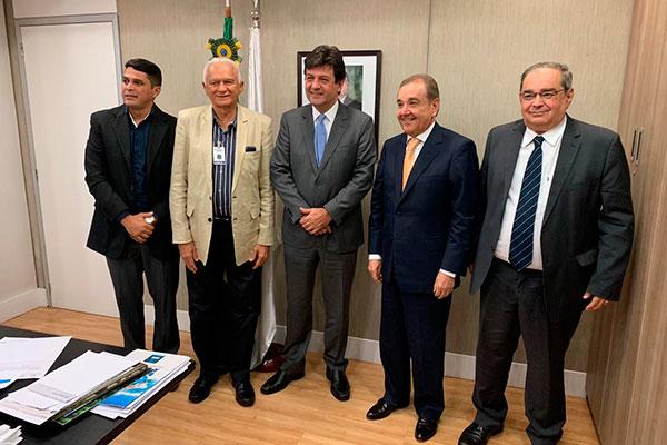 Audiência contou com participação do diretor do hospital, do prefeito Álvaro Dias e ministro