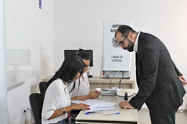 Eleição entre advogados foi coordenada pela OAB-RN. Nomes serão enviados para o TRT