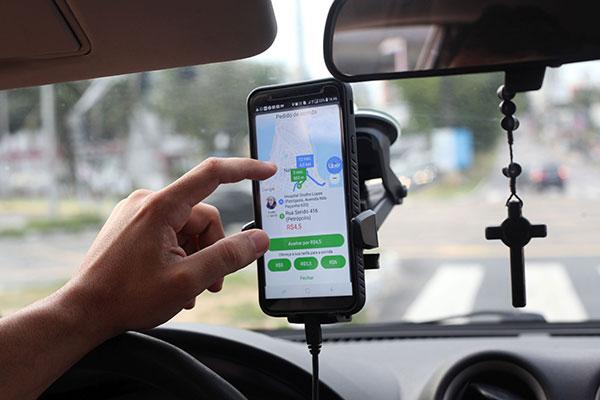 Quase três anos depois de começar a atuação em Natal, os motoristas por aplicativo tiveram a atividade regulamentada em Natal, onde atuam mais de 6 mil profissionais
