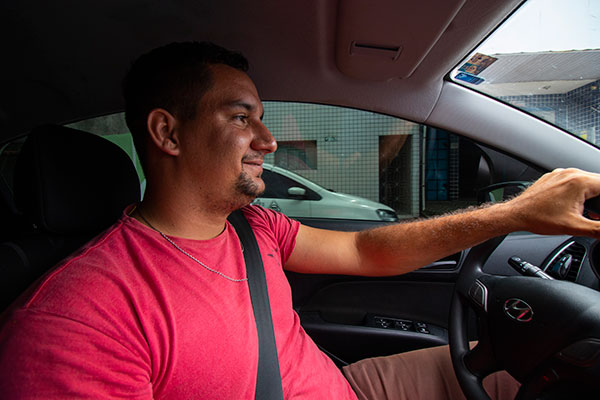 Rafael Guilherme, 26 anos, é pintor. Trabalha como motorista de aplicativo há 5 meses