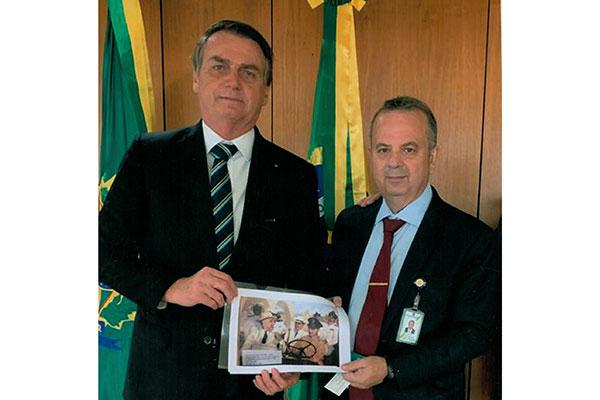 Carta foi entregue a Bolsonaro por intermédio do secretário especial da Previdência Rogério Marinho