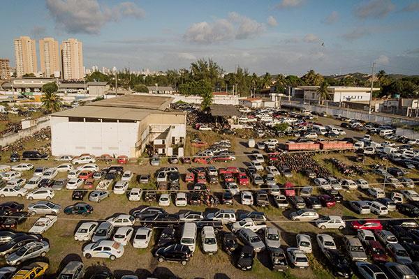 Comando de Polícia Rodoviária afirma que maior número de carros apreendidos se deve às fiscalizações que foram intensificadas, principalmente no interior
