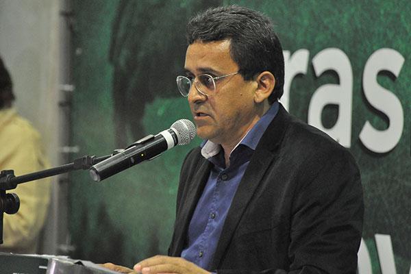 Leonardo Cassimiro diz que conversou com a governadora sobre dificuldades nos municípios