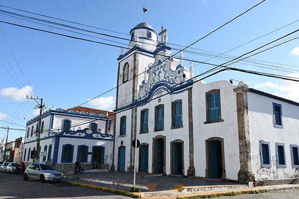 Bastante visitada, a Igreja do Galo é joia do período colonial