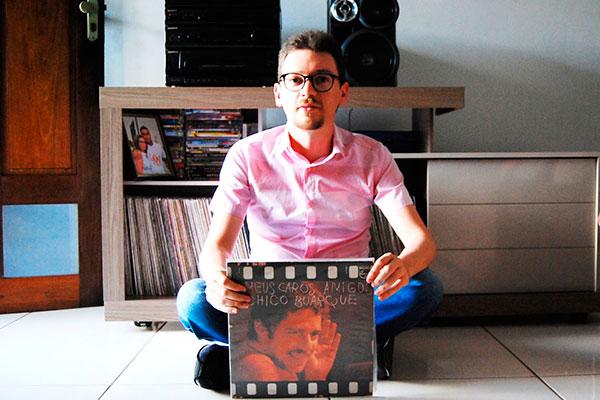 """Bruno Gaudêncio selecionou canções com diversidade de temas: """"O brega é narrativo, fala de amor e tragédia"""""""