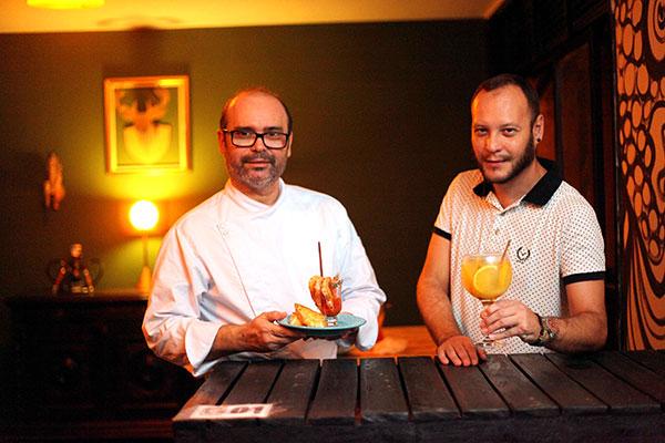 O chef Sidney Dantas e o produtor Victor Damasceno idealizaram o espaço ao estilo coworking