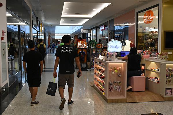 Levantamento da CNDL e SPC Brasil destaca que pelo menos 105 milhões irão às compras no país