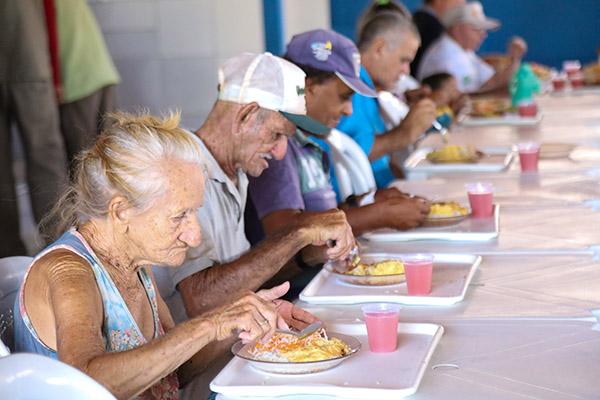 O Programa Restaurante Popular, coordenado pela Sethas,  existe desde 2002