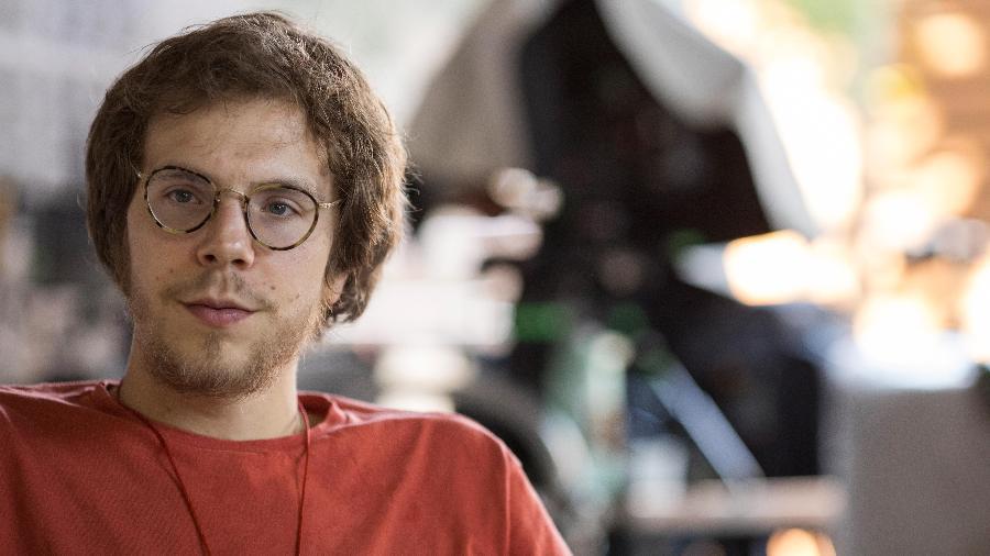 Quico Meirelles, filho do cineasta Fernando Meirelles, dirige série que aborda o país após a legalização da maconha