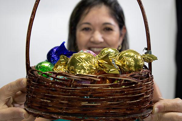 Empresa produz 15 mil bombons ao mês e podem ser encontrados em lojas, delicatessense restaurantes da cidade