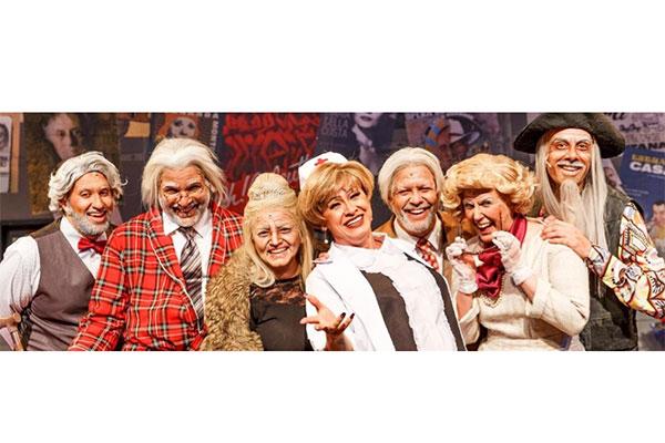 """Em """"Forever Young"""" seis grandes atores, quase centenários, vivenciam uma rotina inusitada em asilo sob os cuidados de uma excêntrica enfermeira"""