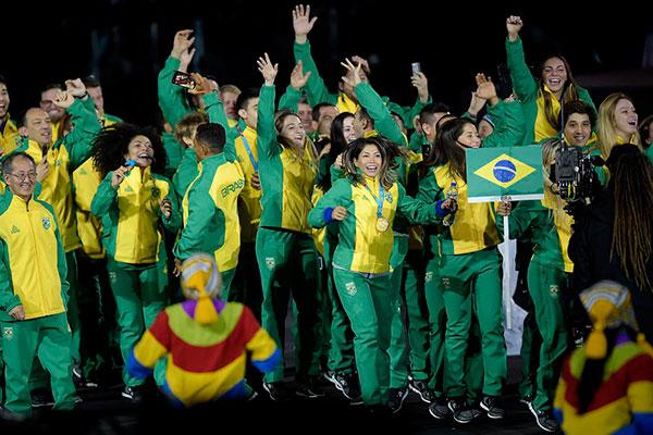 A equipe brasileira se reuniu na festa de despedida dos Jogos Pan-americanos de Lima, no Peru