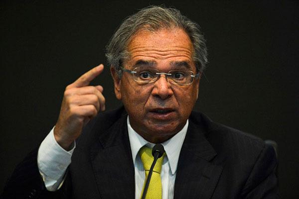 Em evento, o ministro da Economia Paulo Guedes não comentou os dados do IBC-Br e pediu paciência para a população do Brasil