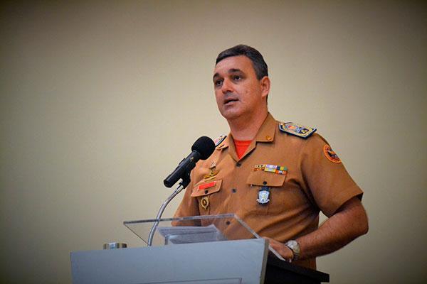Subcomandante do Corpo de Bombeiros, coronel Acioli Bento