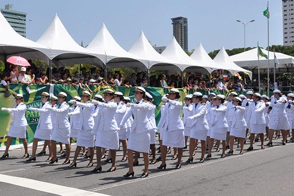 Inscrição para concurso da Marinha custa R$ 75,00