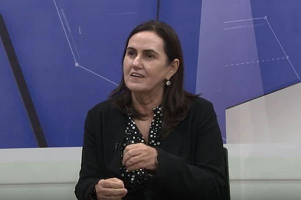 Virgínia Ferreira afirma que a Secretaria de Administração retomou os boletins com informações sobre folha de pessoal