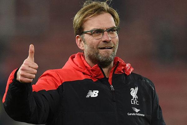 O técnico Jurgen Klopp quer levantar o primeiro título da temporada 2019/2020 diante do Chelsea. Confronto vale taça da Supercopa da Europa